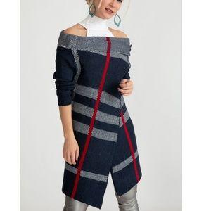 Sweaters - Blue Plaid Single button cardigan